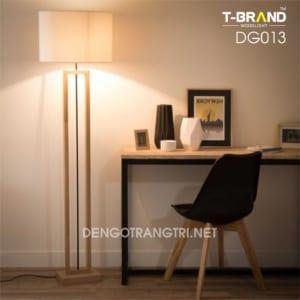 đèn gỗ để sàn khách sạn